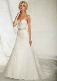 Style 1254 Chantilly and Venice Lace