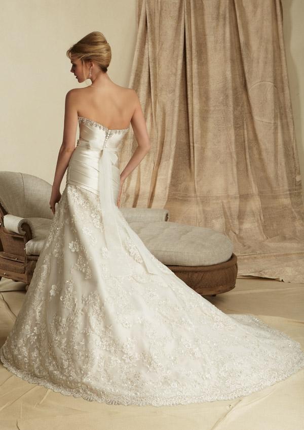 Wedding Dresses For   Sunshine Coast : Lustrous satin and embroidery sunshine coast wedding dresses