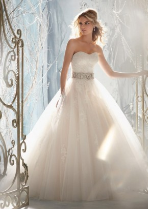 Style 1959 Tulle Overlaying Beaded Alencon Lace Appliques