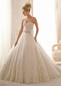 Style 2621 Beaded Alencon Lace on Tulle with Wide Hemline