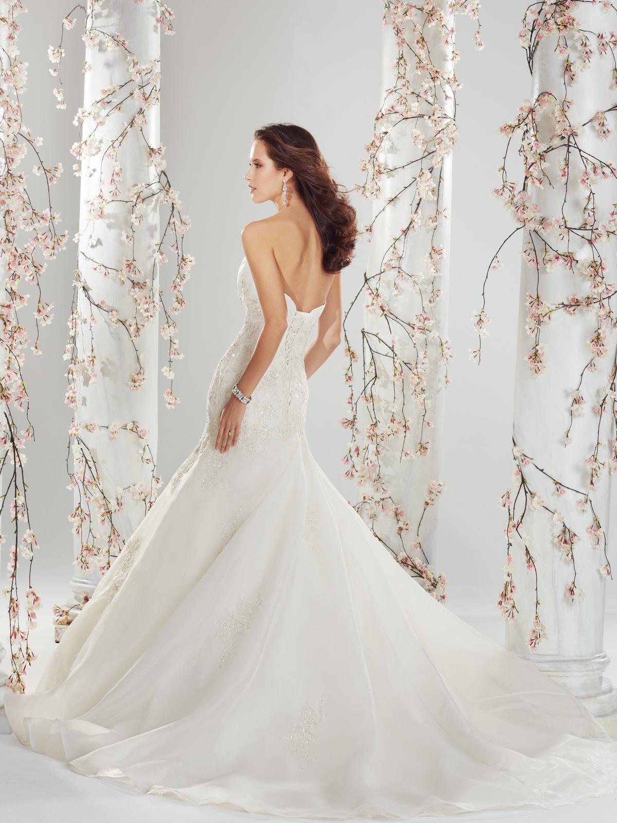 Wedding Dresses For   Sunshine Coast : Y catelyn sunshine coast wedding dresses